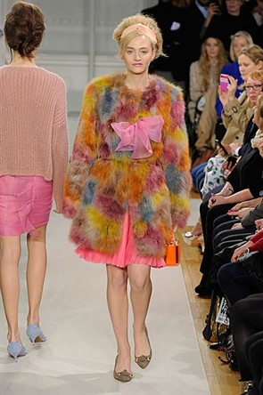 moschino cheap and chic 2012
