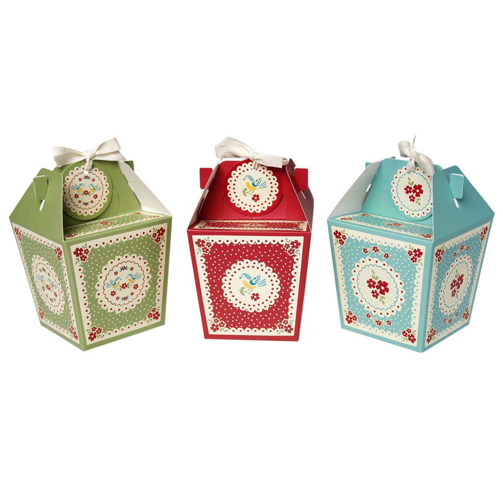 Wedding Thank You Gift Box : Add a splash of colour with these Panettone Gift Boxes ?4.95 for 3