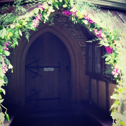 entrance wedding flower ideas