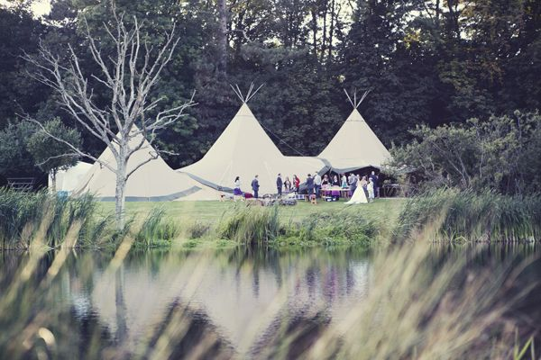 informal outdoor wedding UK