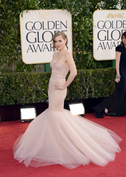 amy adams golden globes red carpet looks