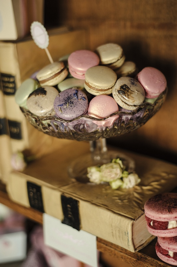 pastel wedding macarons