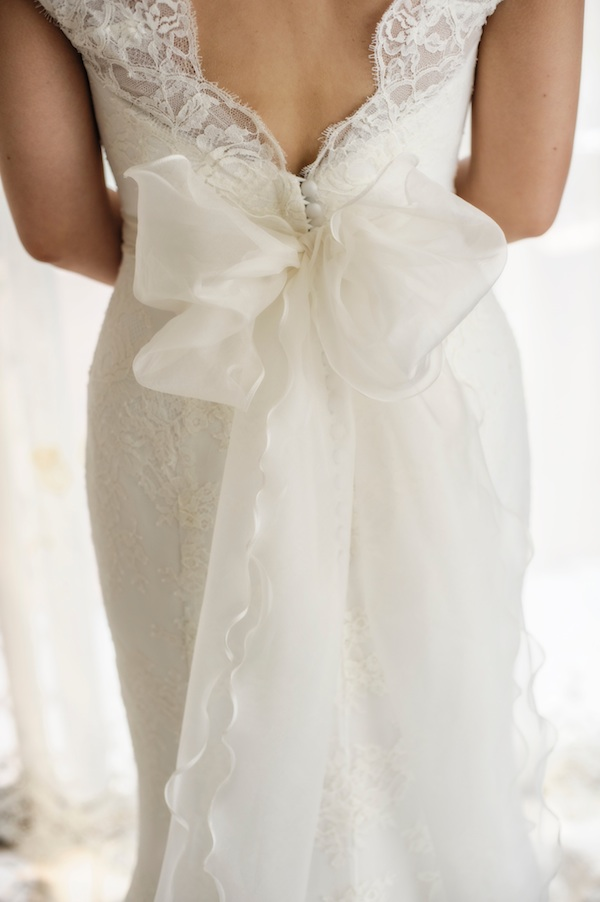lace wedding dress with big bow