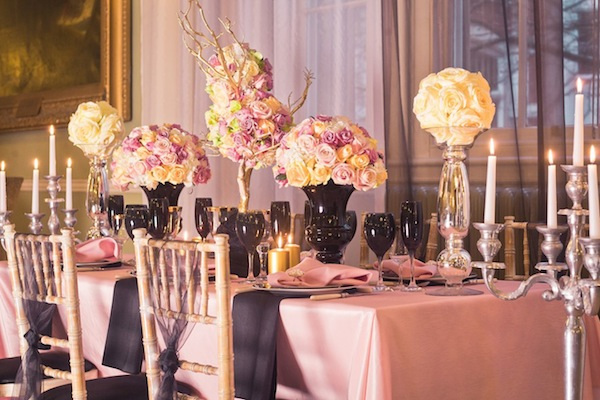 pink black wedding table decor