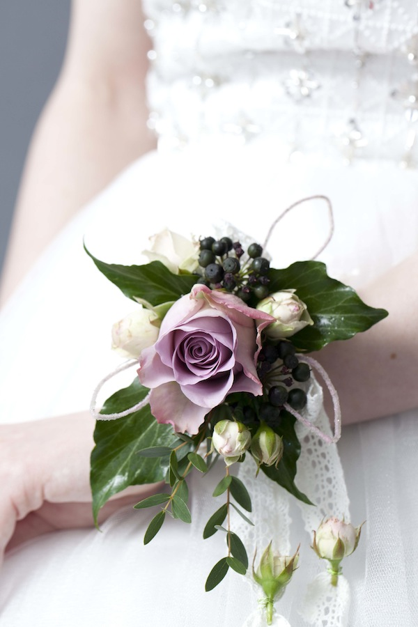 Diy Flower Wrist Corsage The Bijou Bride Ltd