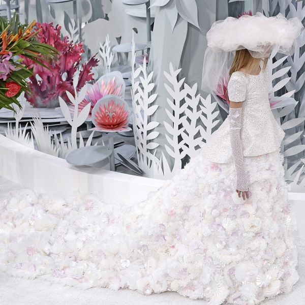 chanel couture wedding dress spring 2015