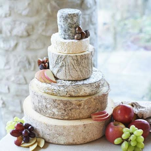 cheese wheel wedding cake how to cut diy cheese wedding cake a guide by the courtyard dairy 12630